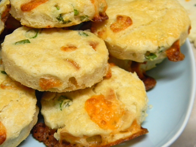 Cheddar and Green Onion Biscuits - Recipe Hearth